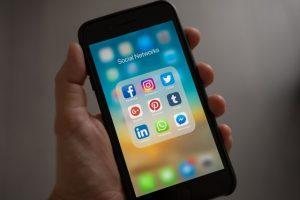 Social Media in Quebec